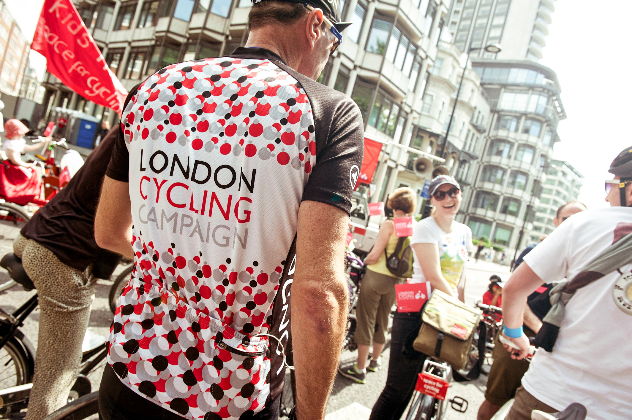 Lifestyle photography for the London Cycling Campaign. Capturing the mood and the branding with a bit of sun flare