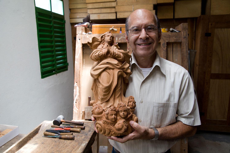 Hélio Petrus, Artist, Mariana
