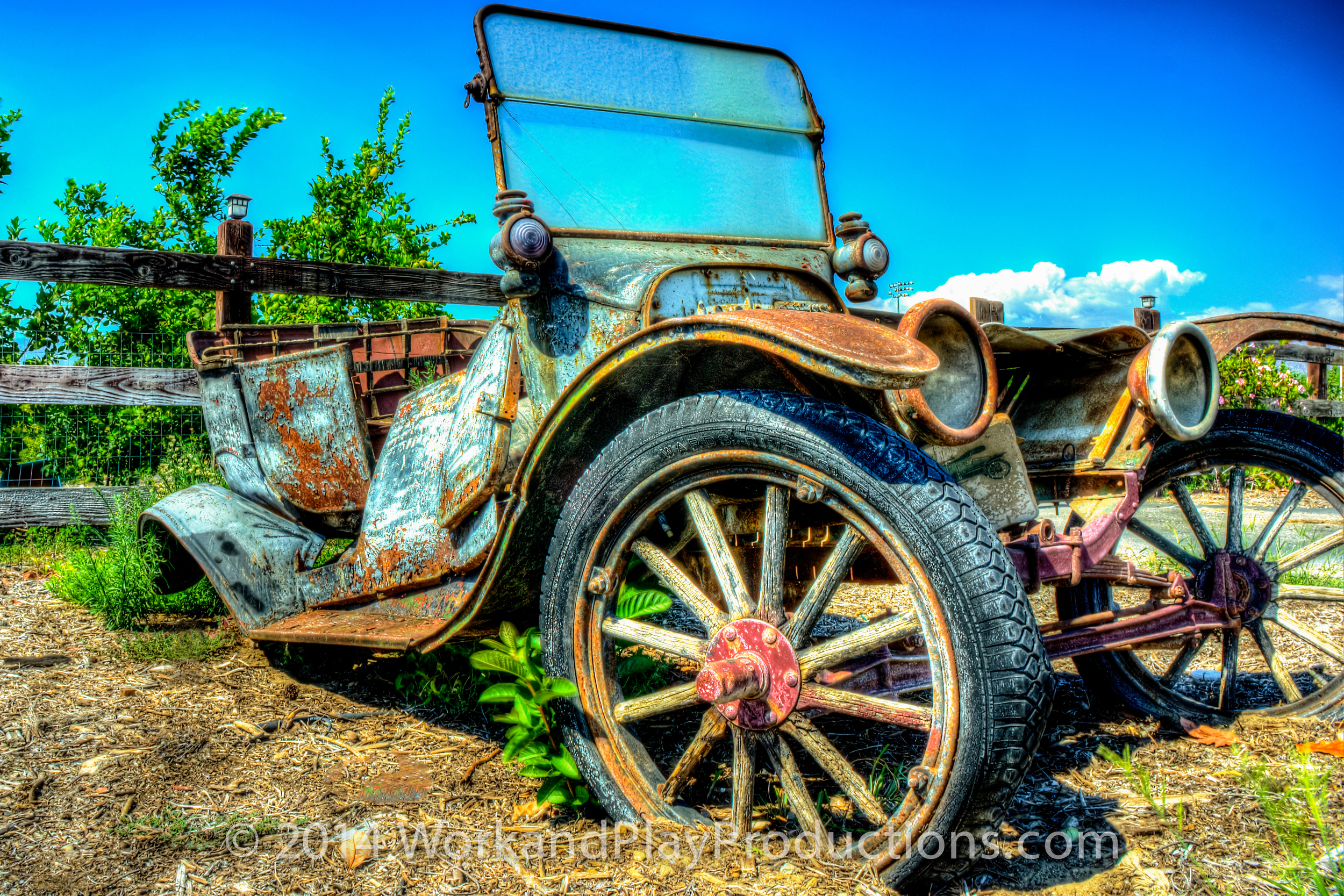 antique roadside car 1.jpg