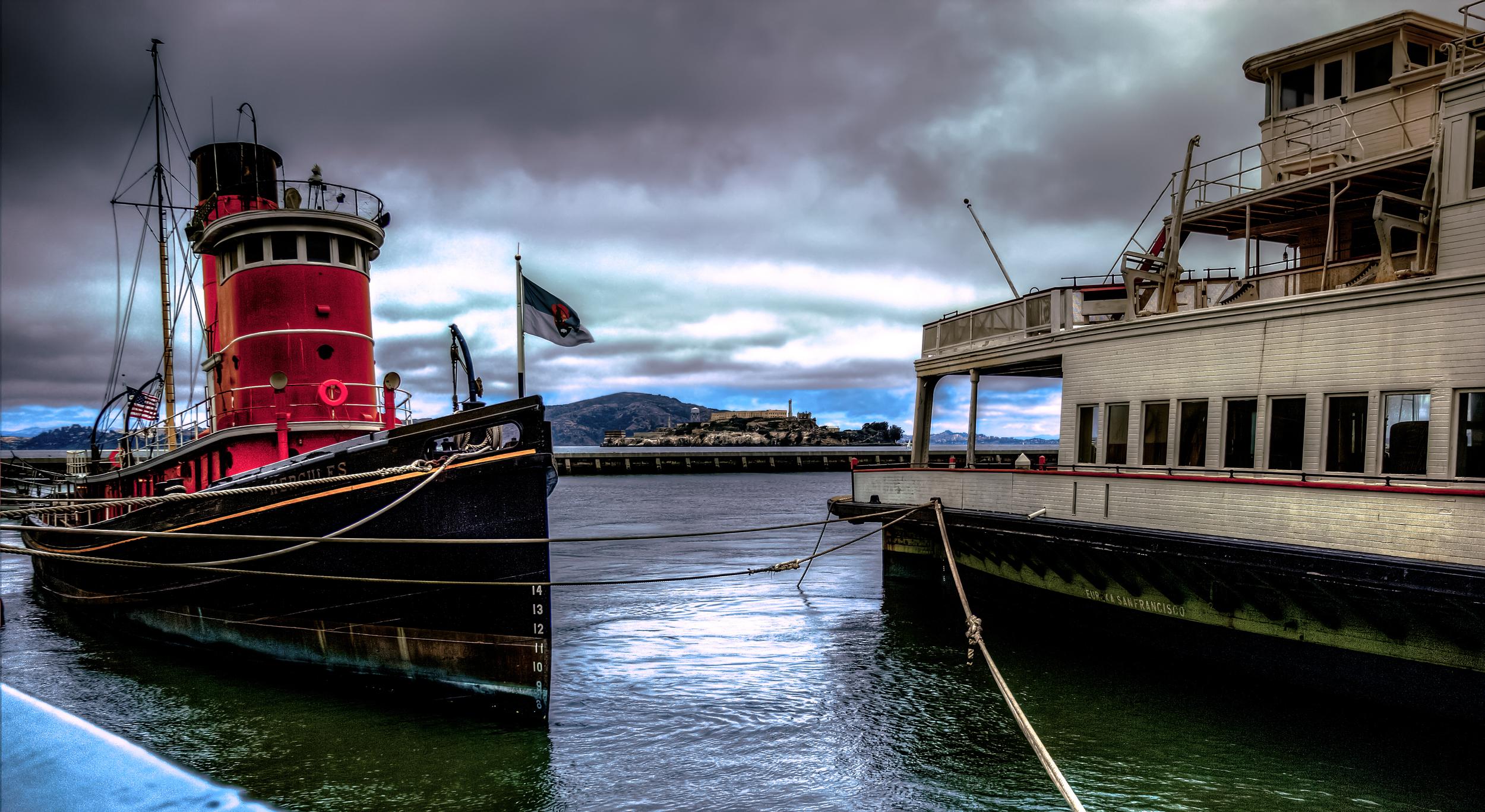 Alcatraz tug boat.jpg