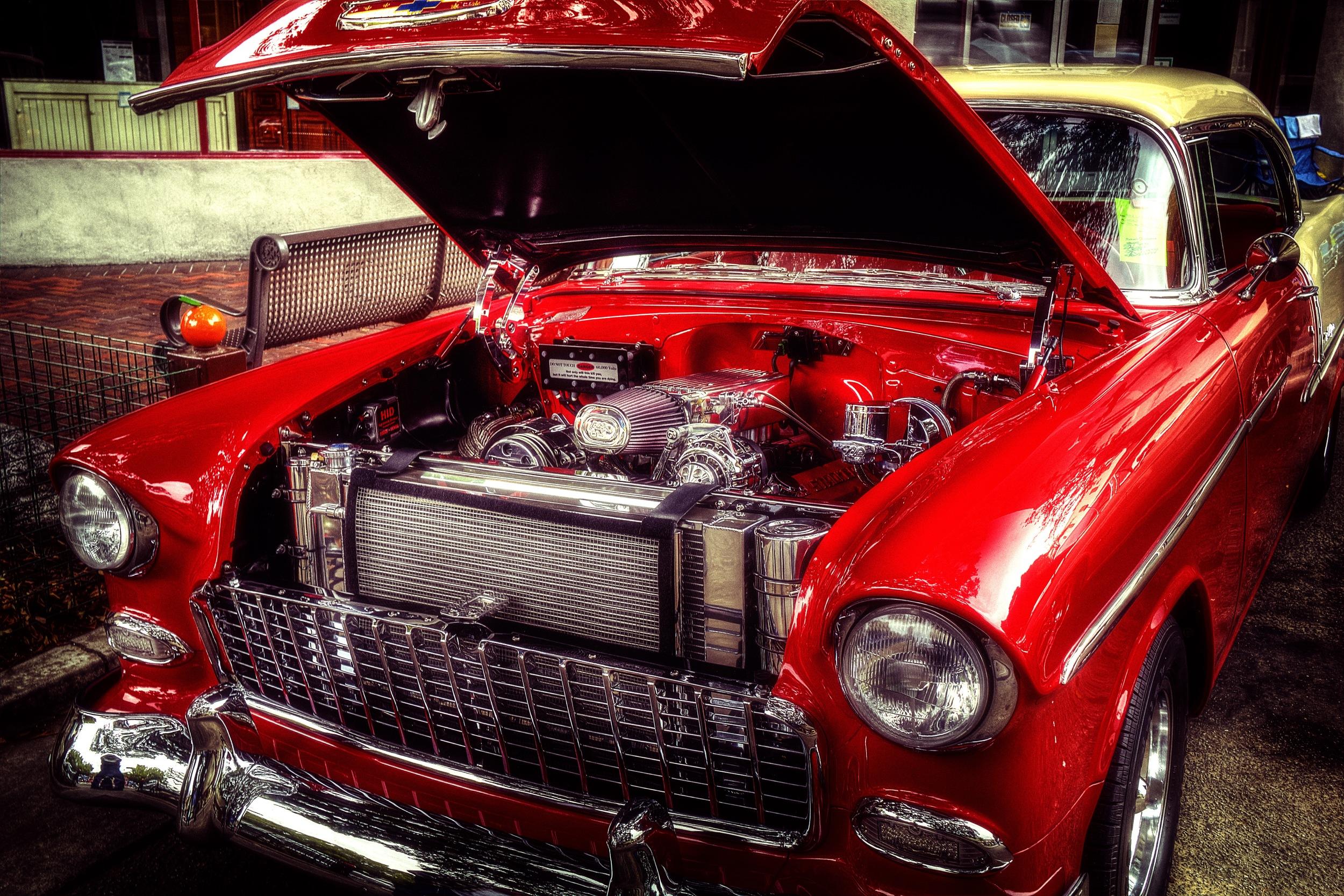 red chevy engine.jpg