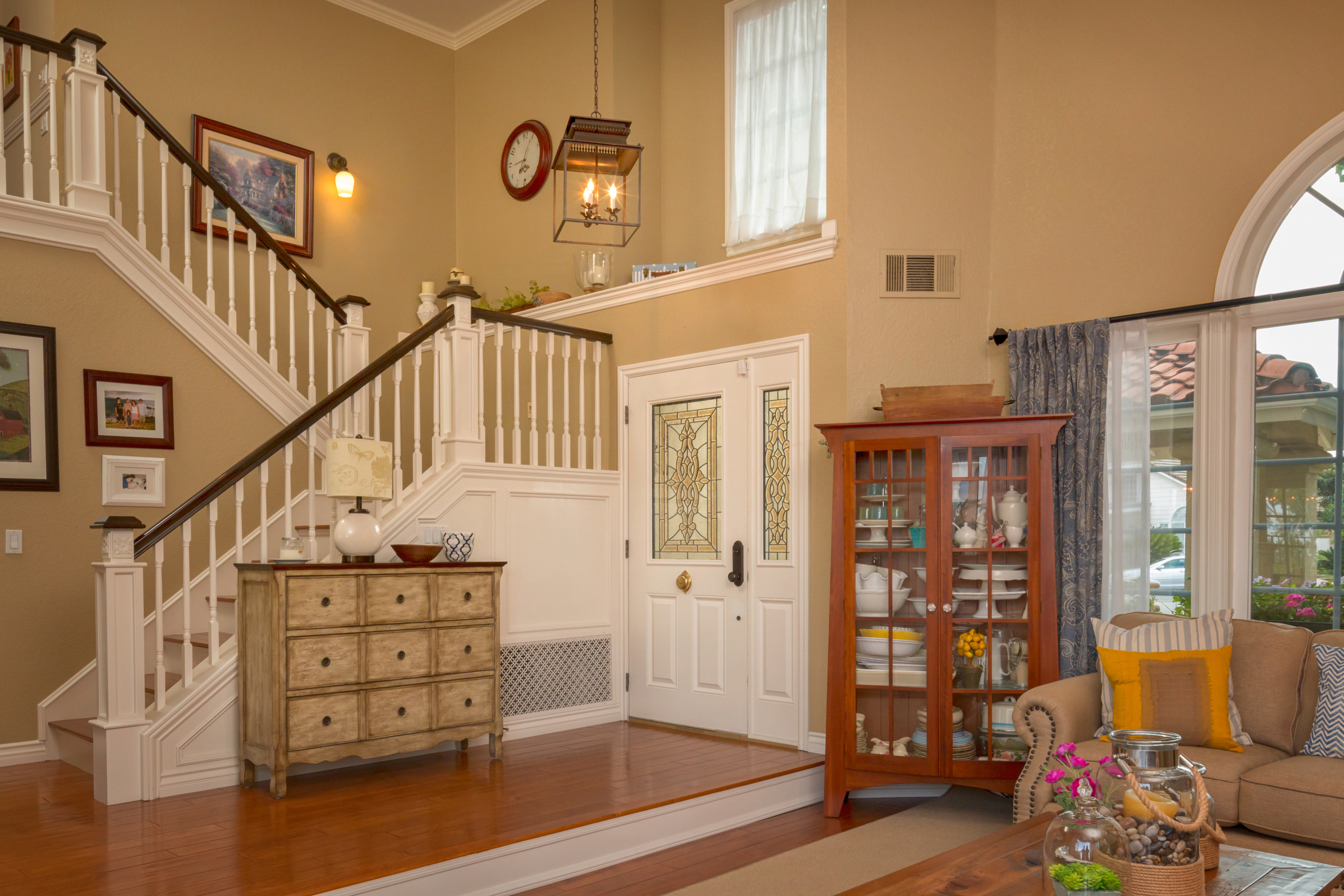 entry way stairs.jpg