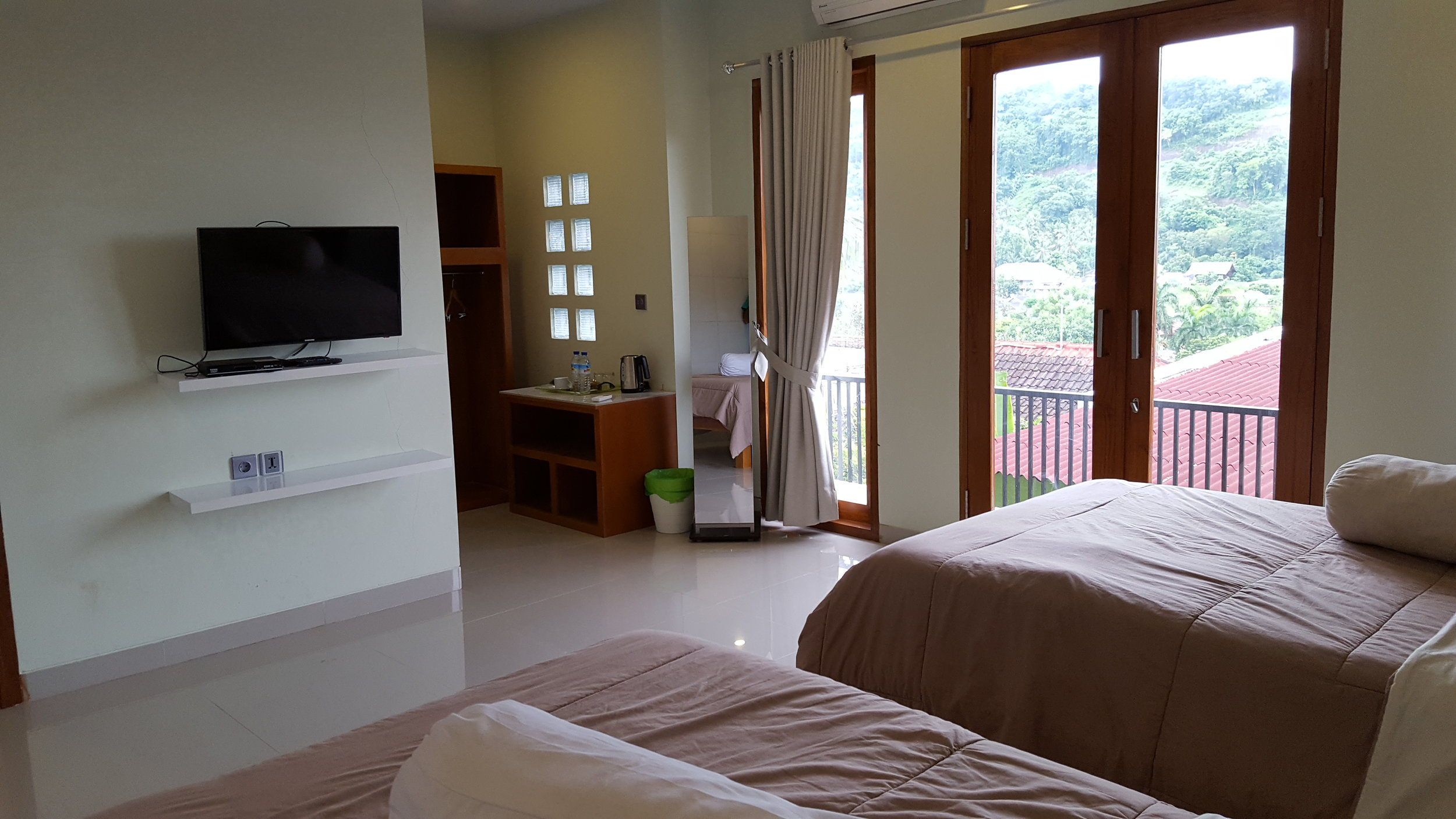 room11a.jpg