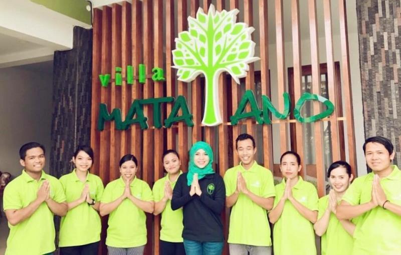 staff photo.jpg