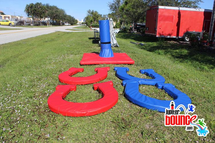 gianthorseshoe-inflatables-partyrental-soflo-southfloridakids-macaronikids-hulafrog.jpg