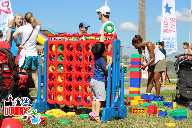 connectfour-jupiterbounce-communityevents-northpalmbeach-royalpalmpartyrental-eventrental-palmbeachgardensmall.jpg