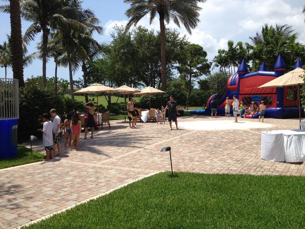 jupiterbouncehouse-palmbeachgardenspartysupplies-southfloridaeventplanning-weddingrentals-photobooth-obstaclecourse.jpg