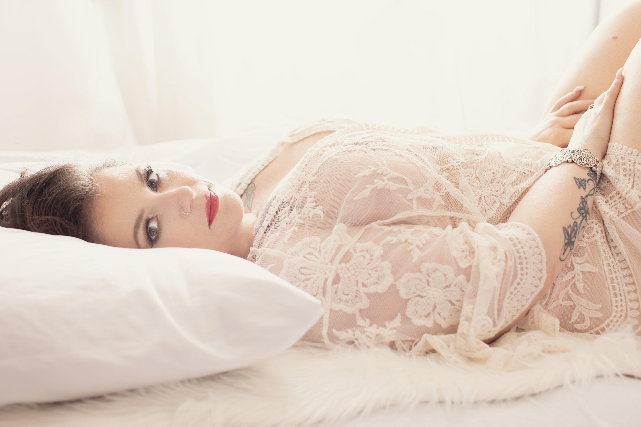 Curvy boudoir Victoria