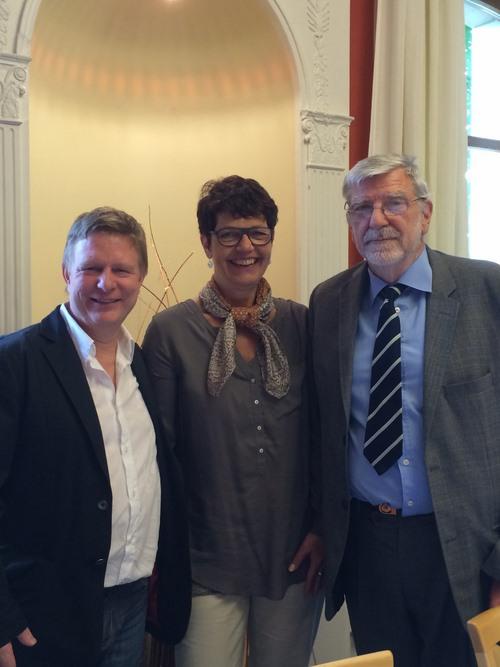 De gauche à droite : Monsieur Eric Emery (nouveau Président de l'ABCGe), Madame Chantal Carrier (Secrétaire patronale de l'Association)et Monsieur Jean-Charles Ruckstuhl (Président sortant).