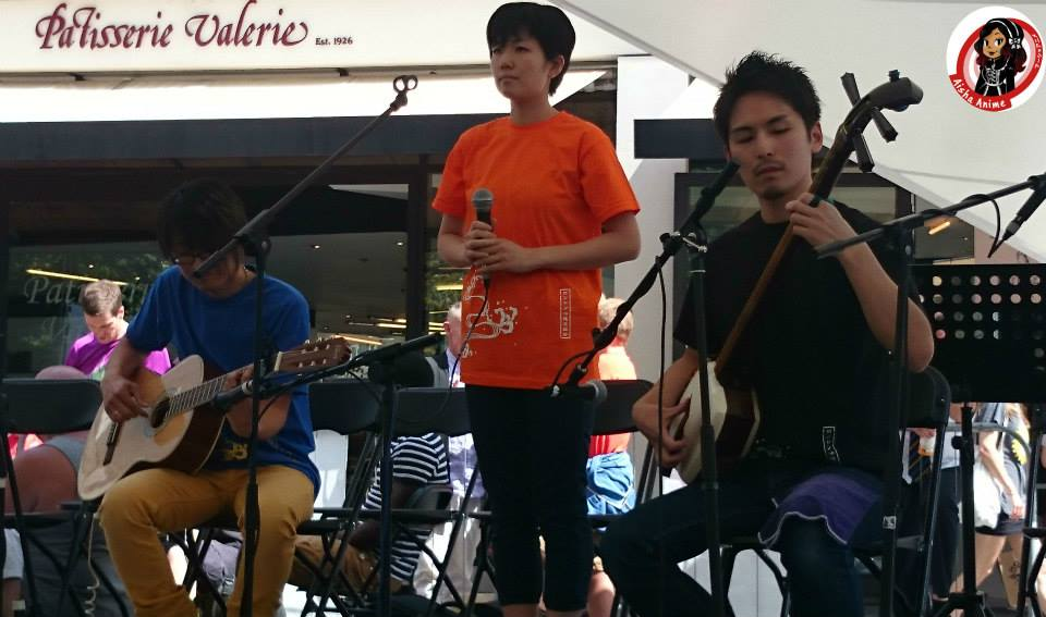AKARI MOCHIZUKI performing alongside HIBIKI ICHIKAWA at Okinawa day 2014