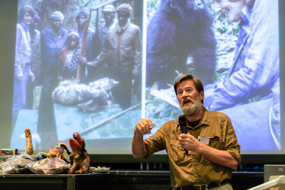 Ian Redmond talks about gorillas, Dian Fossey and conservation at TetZooCon 2018. Image: Xane/Michael Lesniowski.