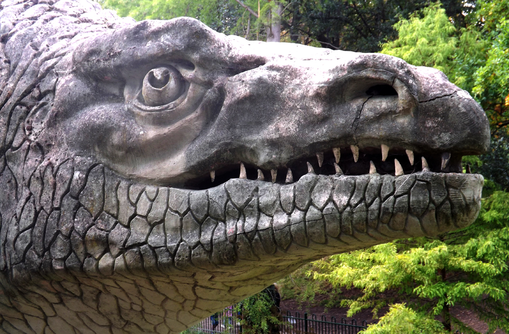 A lot of detail was added to the megalosaur's face - some of it is superficially crocodylian-like. Note the ominous cracks at the tip of the nose and along the side of the lower jaw. Image: Darren Naish.