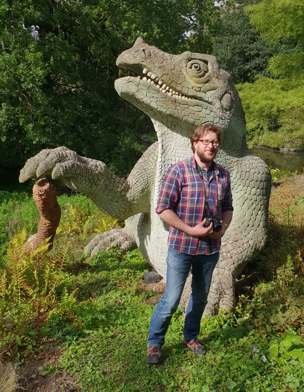 CP-Sept-2018-Darren-and-Iguanodon-1000-px-tiny-Dec-2018-Darren-Naish-Tetrapod-Zoology.jpg