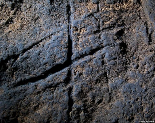 One of the most famous pieces of claimed Neanderthal rock art: the Gorham's Cave 'hashtag' from Gibraltar. Image: (c) Stewart Finlayson.