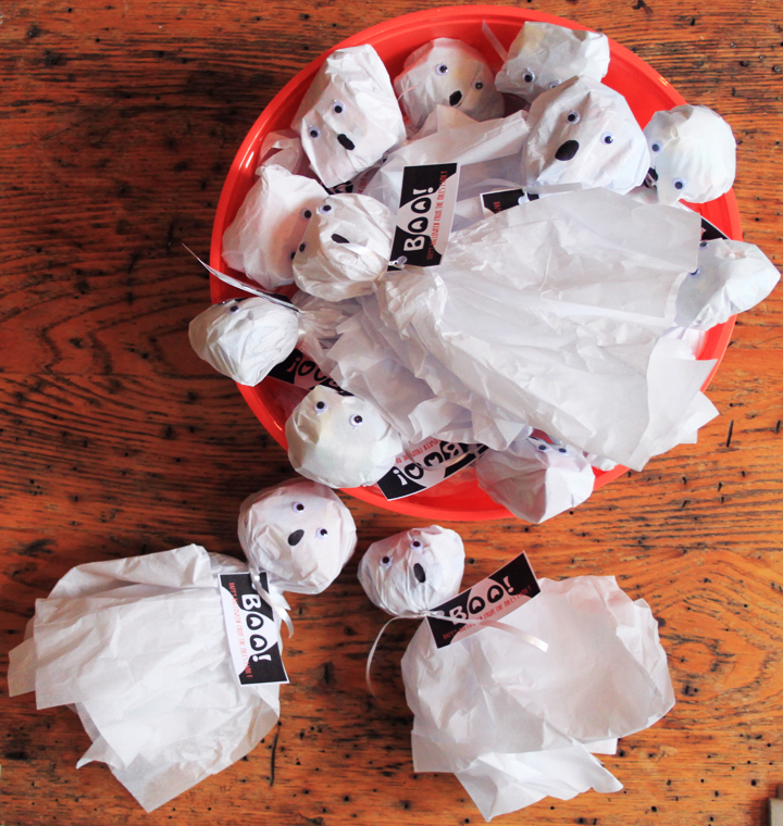 Halloween Candy Ghosts for Handing Out to Trick-or-Treaters
