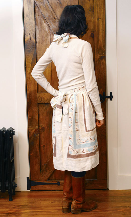How to make an apron from a vintage table cloth