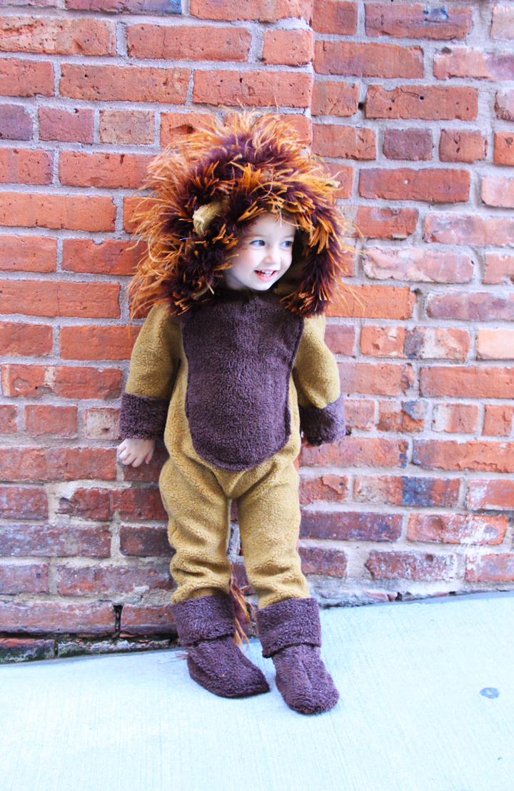 Lion Costume // Life is Made with Katie Miles // www.lifeismade.com