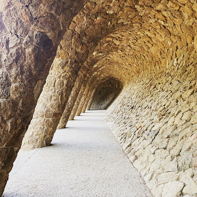 Enjoying every bit of Gaudi's genius . . . . . . . . . #parkguell #gaudi #barcelona #barna #eurotrip2019 #familytravel