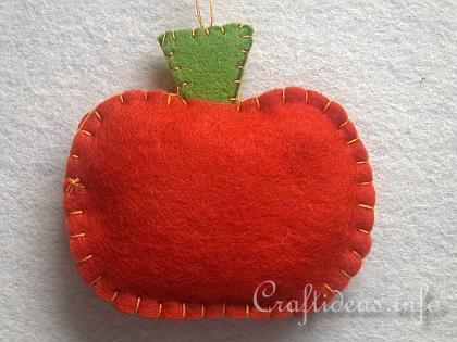 felt pumpkin craft.jpg