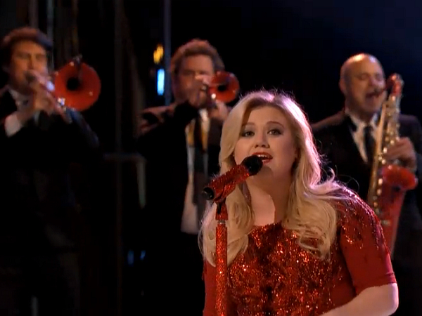 The Voice Kelly Clarkson Christmas