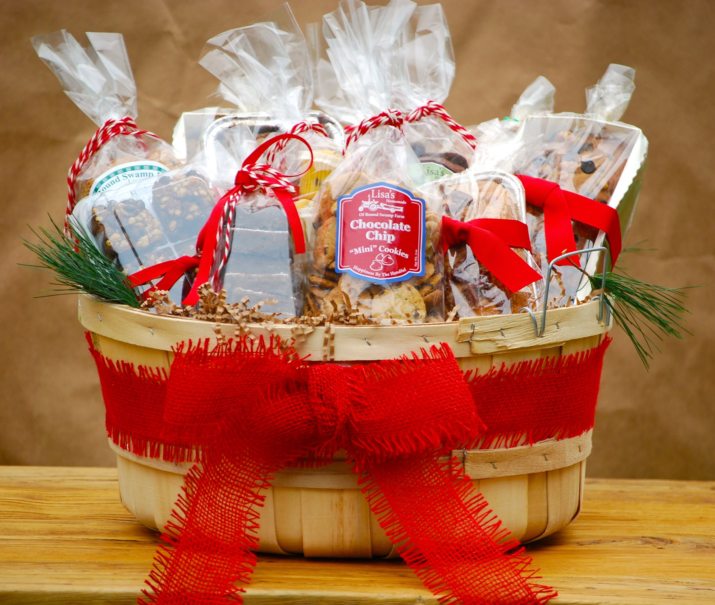 Deluxe Holiday Baked Goods Basket