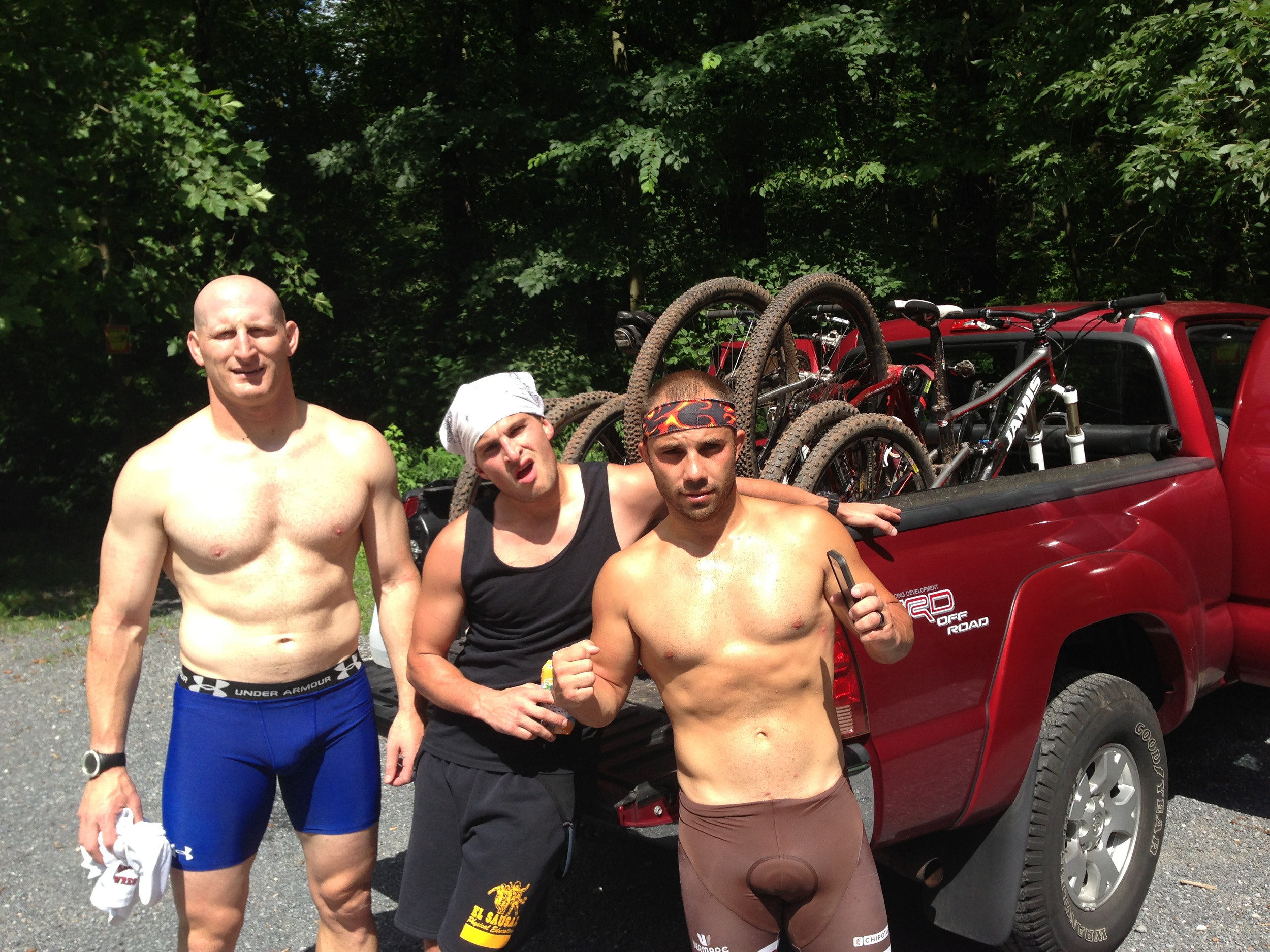 """The Boys (left to right)  Ryan """"Ol' Roy"""" Cummins, AJ """"The Iceman"""" Akerman, and with his best weigh-in pose - Justin """"Just In Case"""" Kast"""