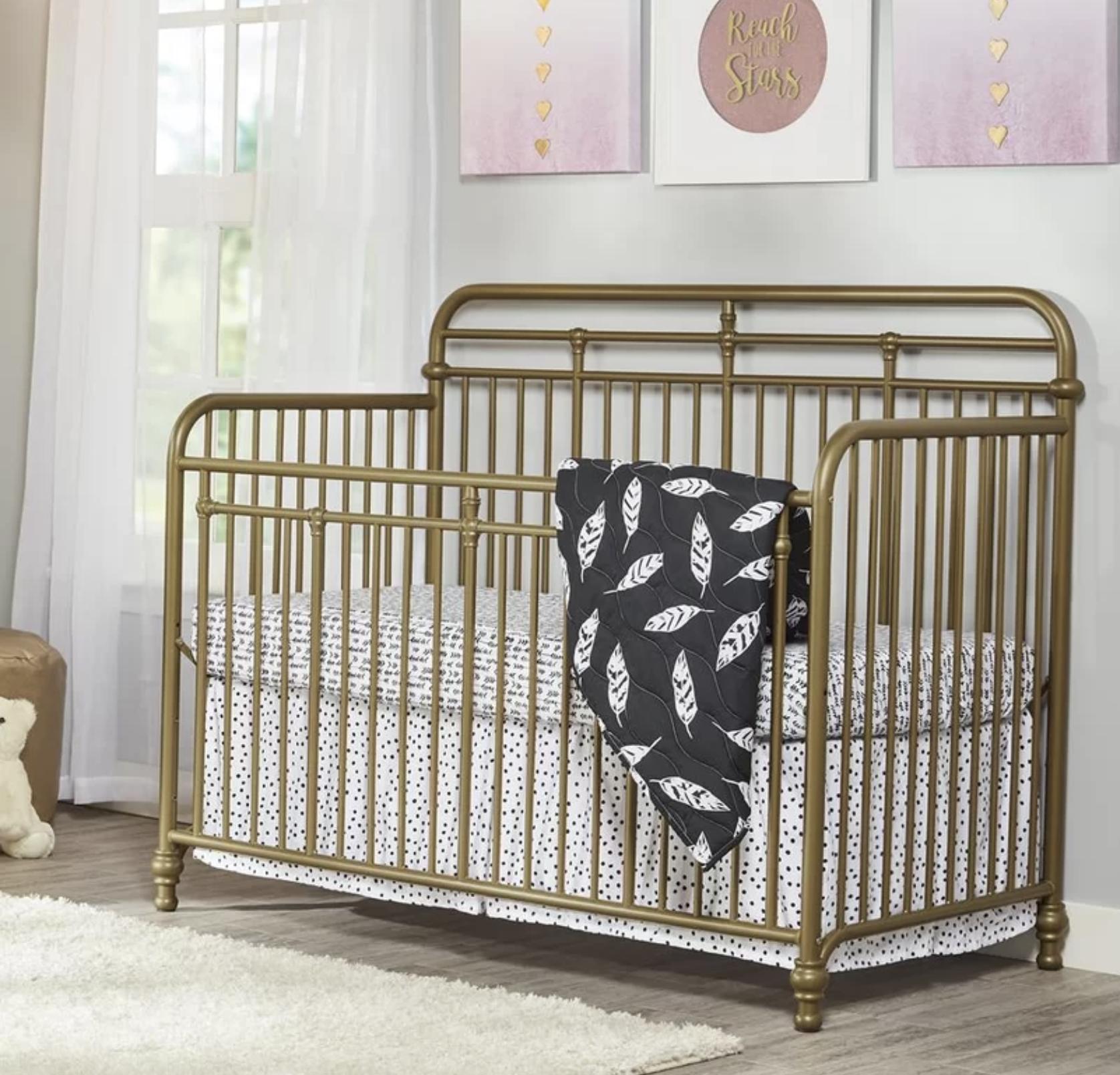 Monarch Hill Hawken - 3-in-1 Convertible Crib