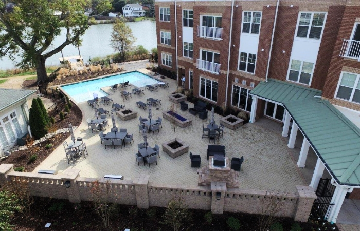 October 30, 2015   The pool deck is ready for entertaining!