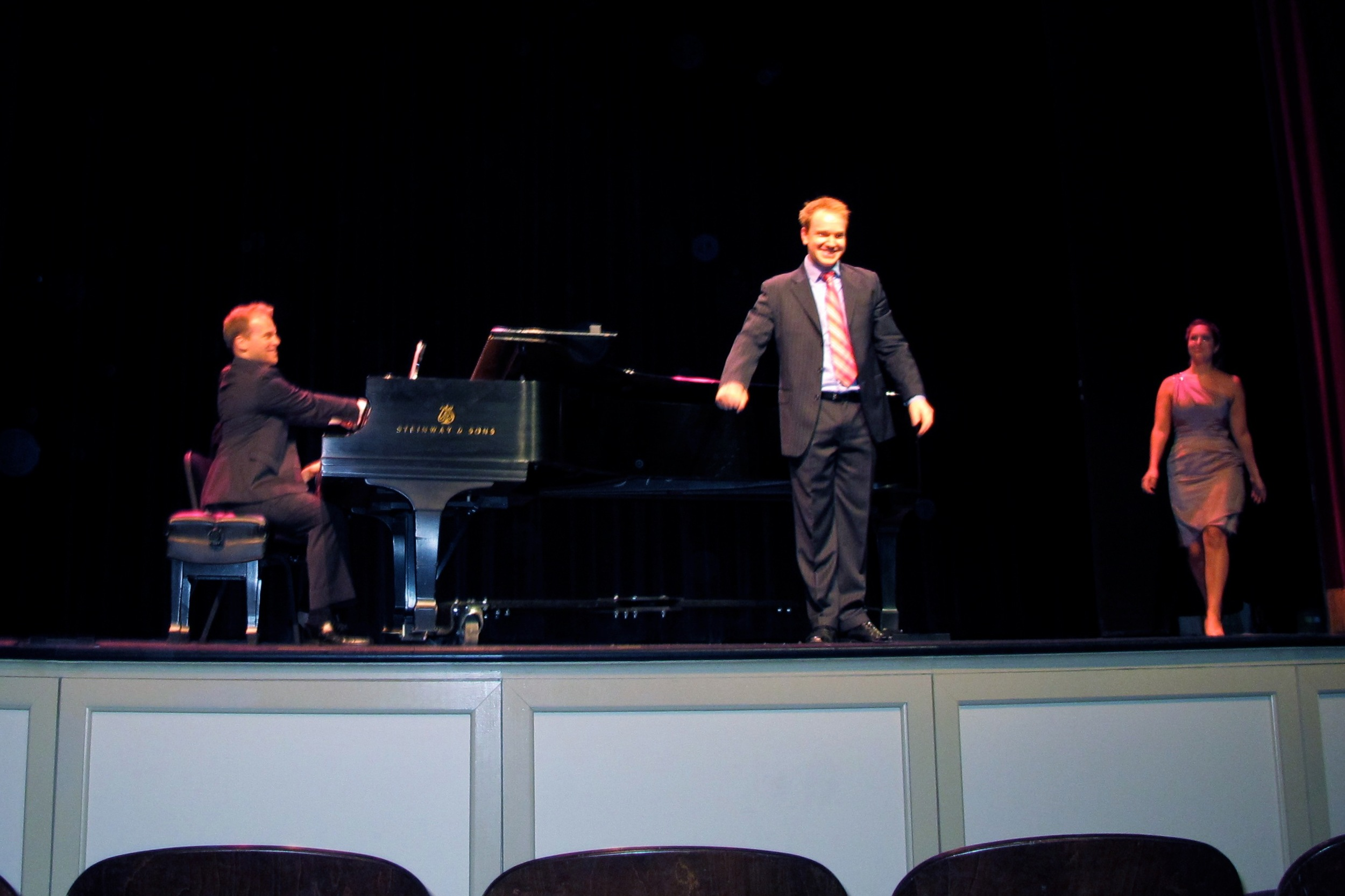 Jonathan Estabrooks arias and duets Opera in Williamsburg 2012.jpg
