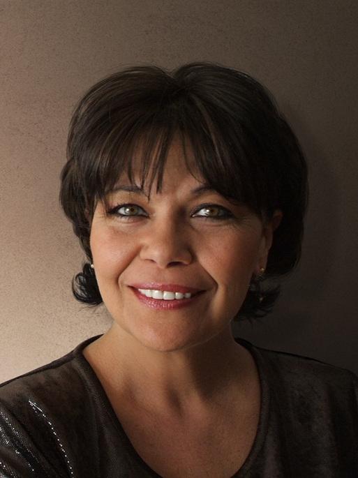 Ensemble: Agueda Fernandez Abad