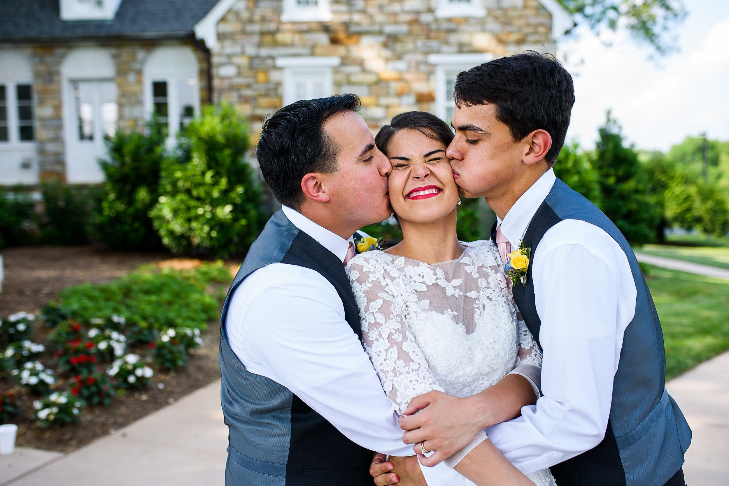 Evergreen Country Club wedding photos55.jpg