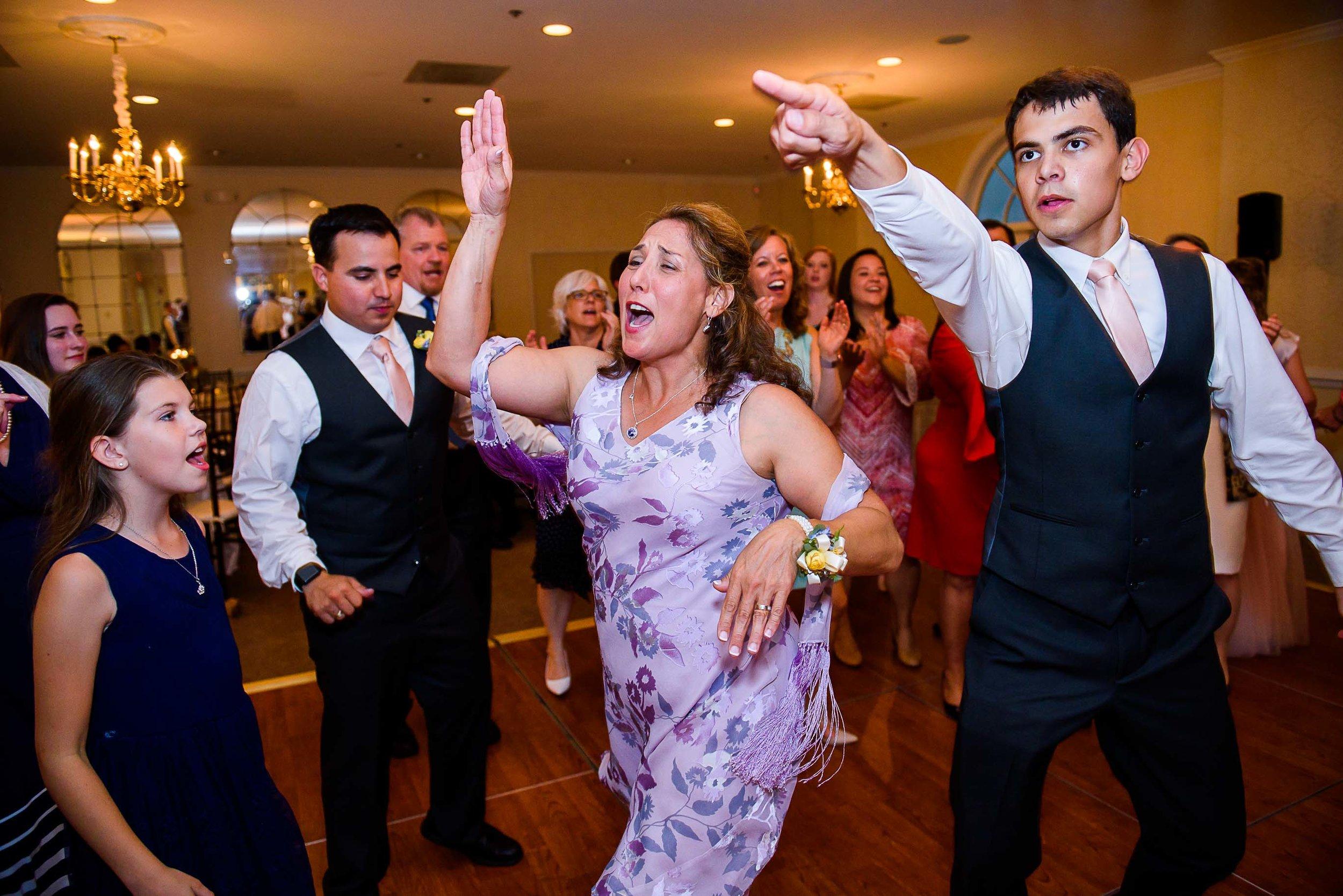 Evergreen Country Club wedding photos101.jpg