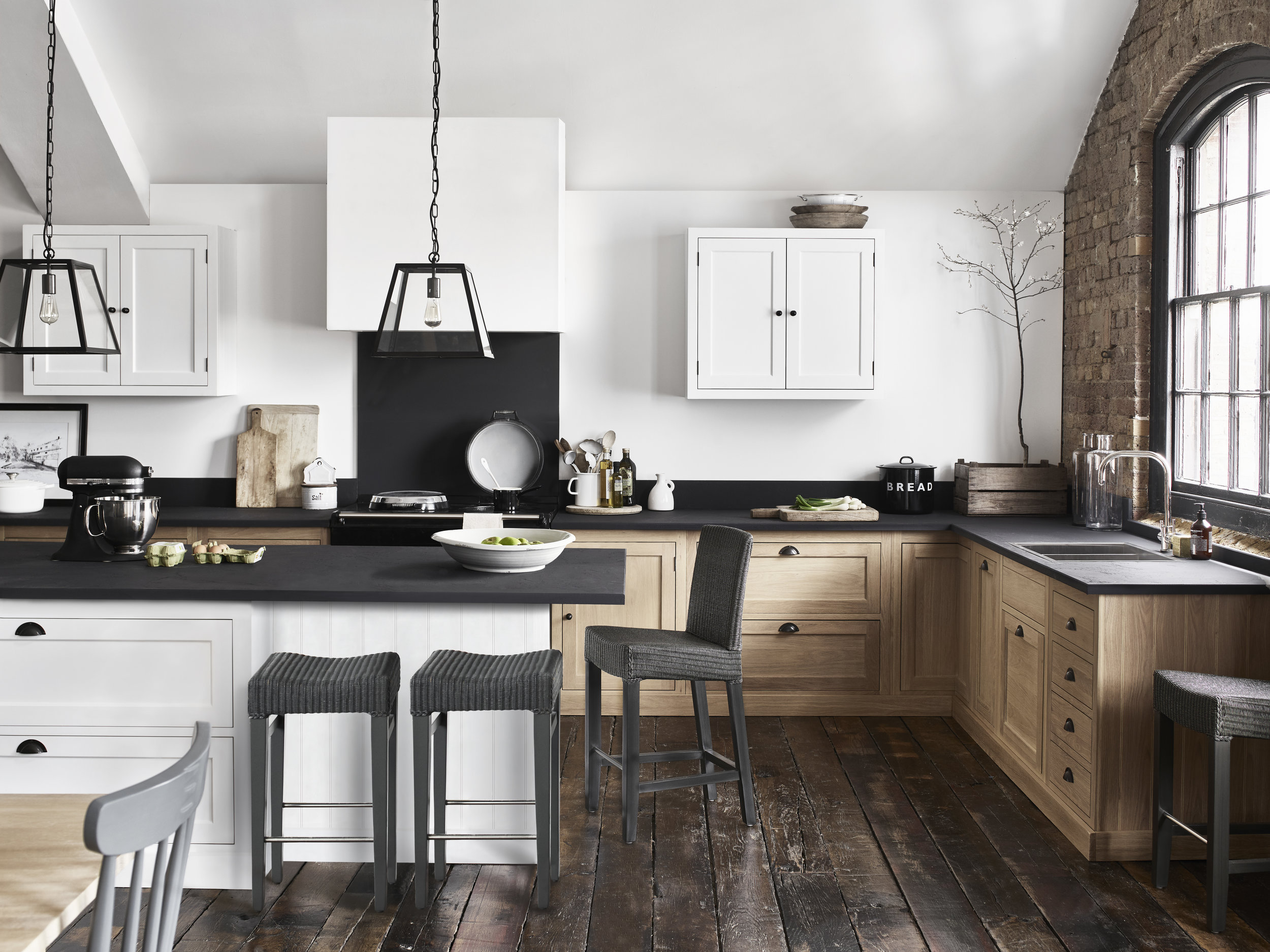 HENLEY_KITCHEN_039 1_RT.jpg