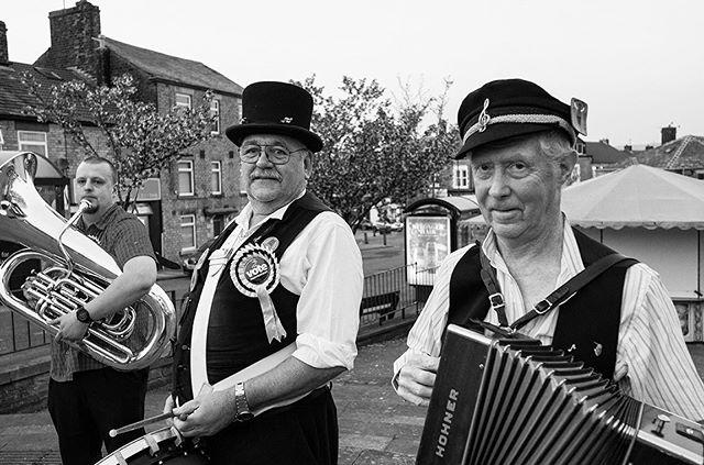 The Mossley Morris Men. #mossley #saddleworth #tameside #musicians #editorialphotographer #documentaryphotographer #reportagephotography #leica #leicauk #leicacamera