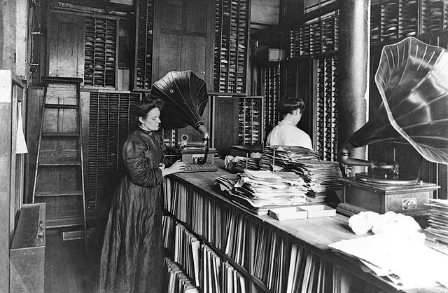 Record Matrix Room, Berliner Gramophone Company, Montreal, QC (1910)