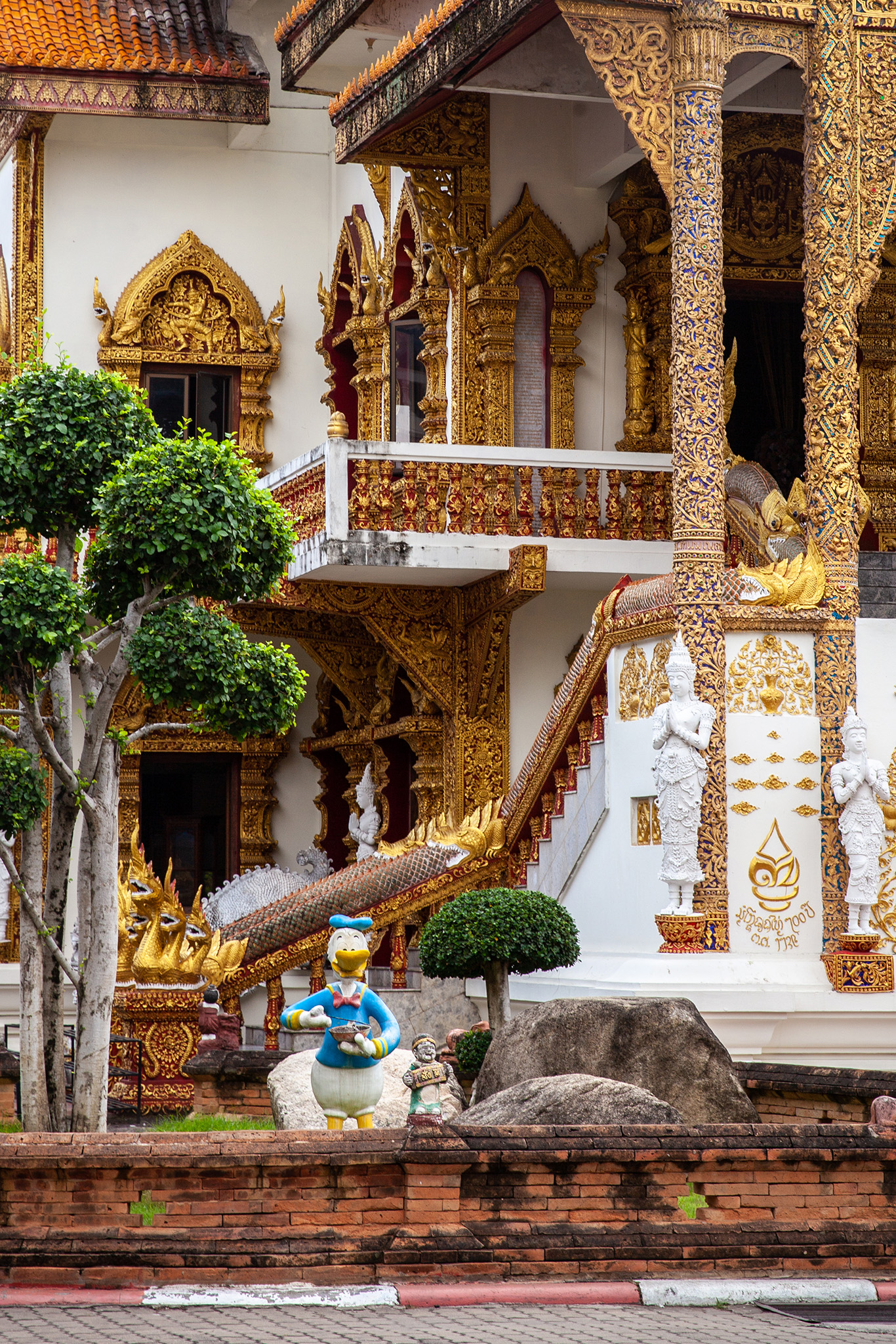 Donald Duck makes an appearance at Wat Bupparam