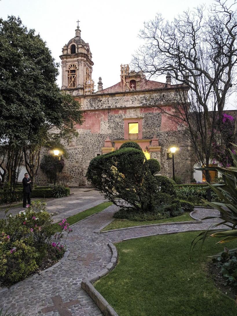 Beautiful church in Plaza San Jacinto