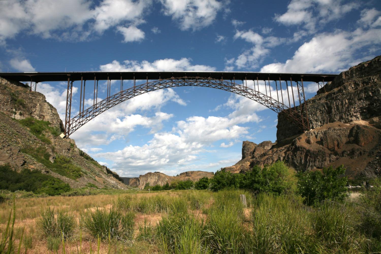The I. B. Perrine Bridge in Twin Falls, Idaho, home of the Snake River BASE Academy.