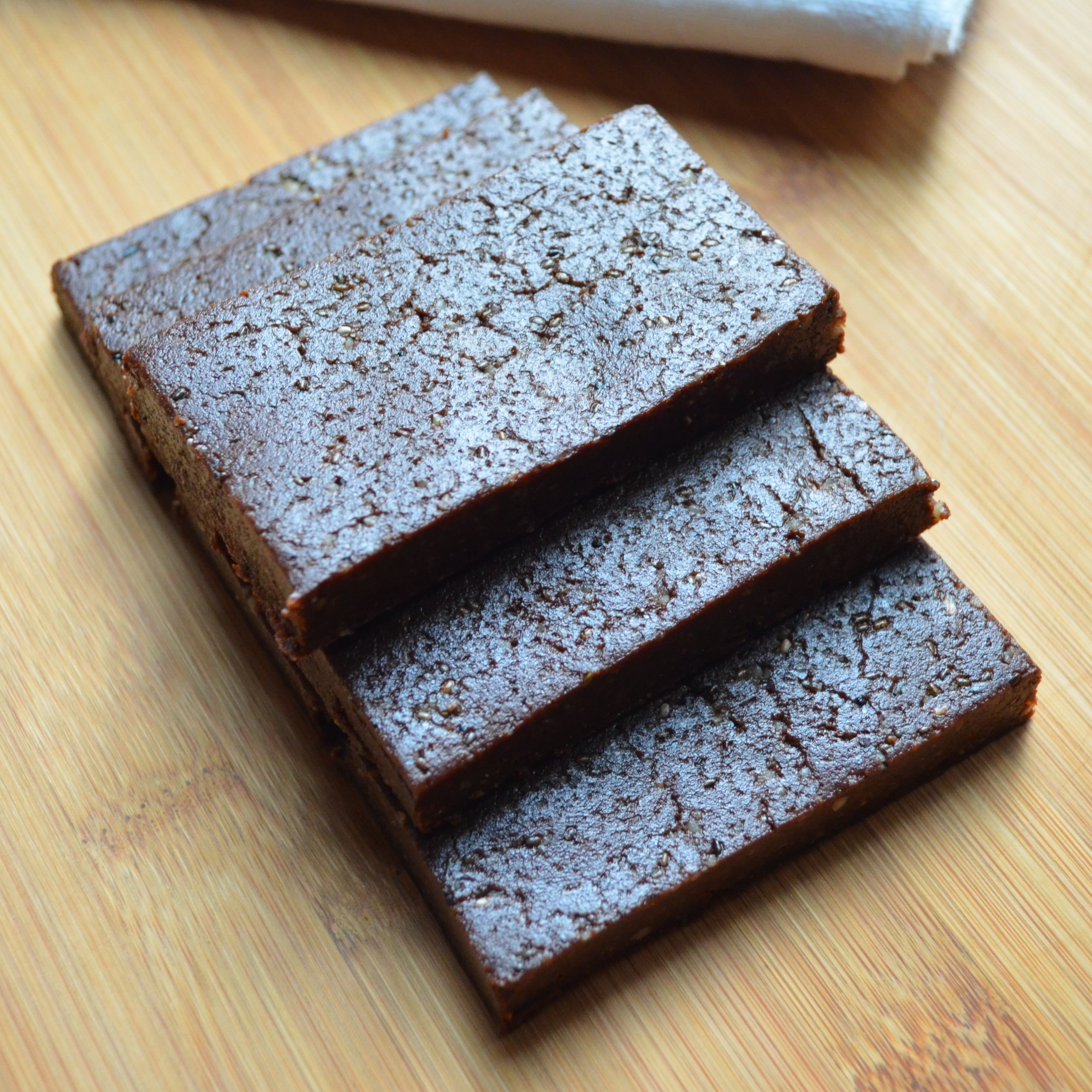 Superfood Brownie Bars Recipe - healthy, fast and delicious.