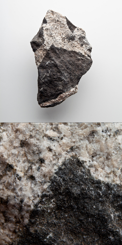 Gabbro in Granite, Mellen Intrusive Complex.jpg