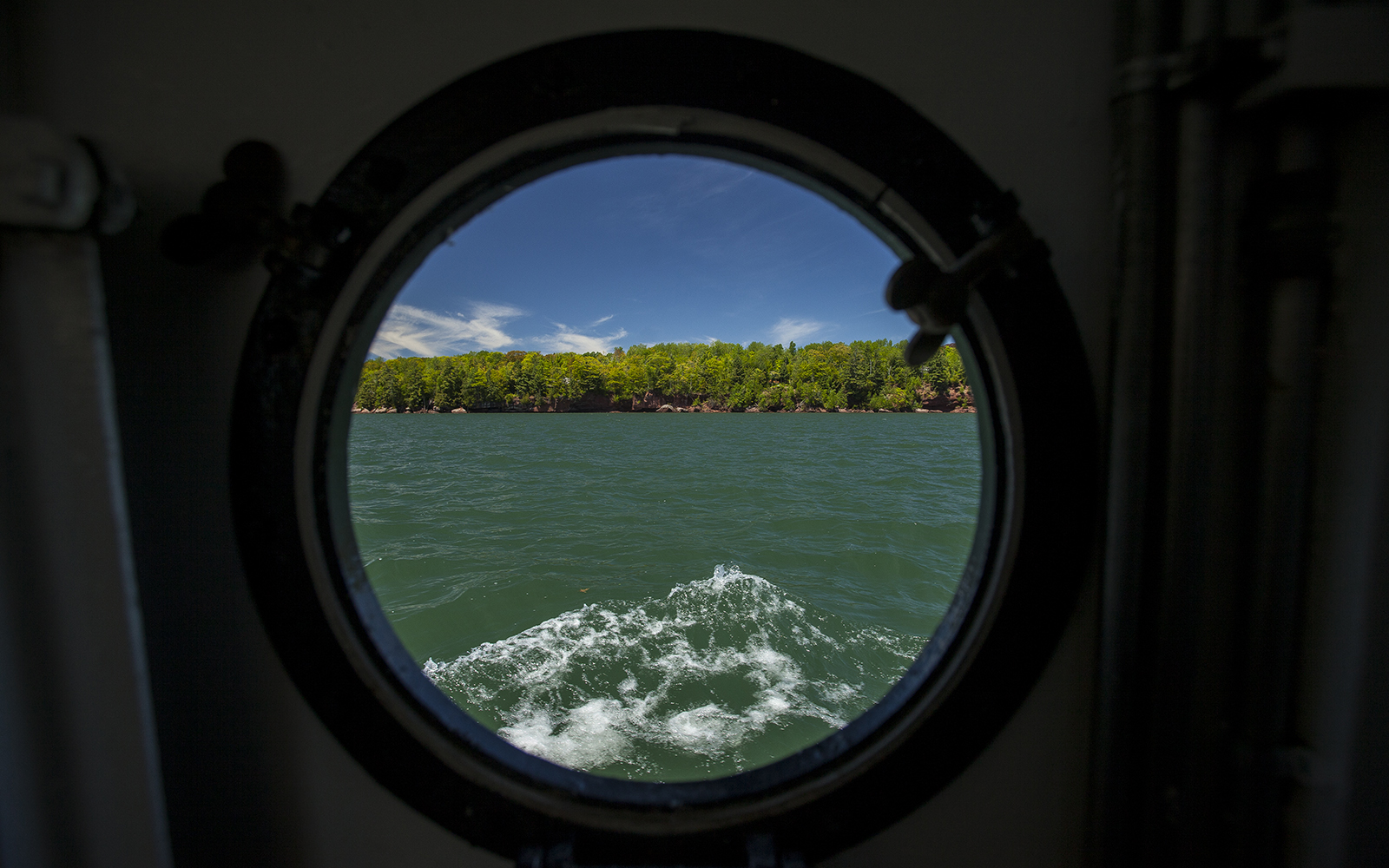 Porthole-Window.jpg