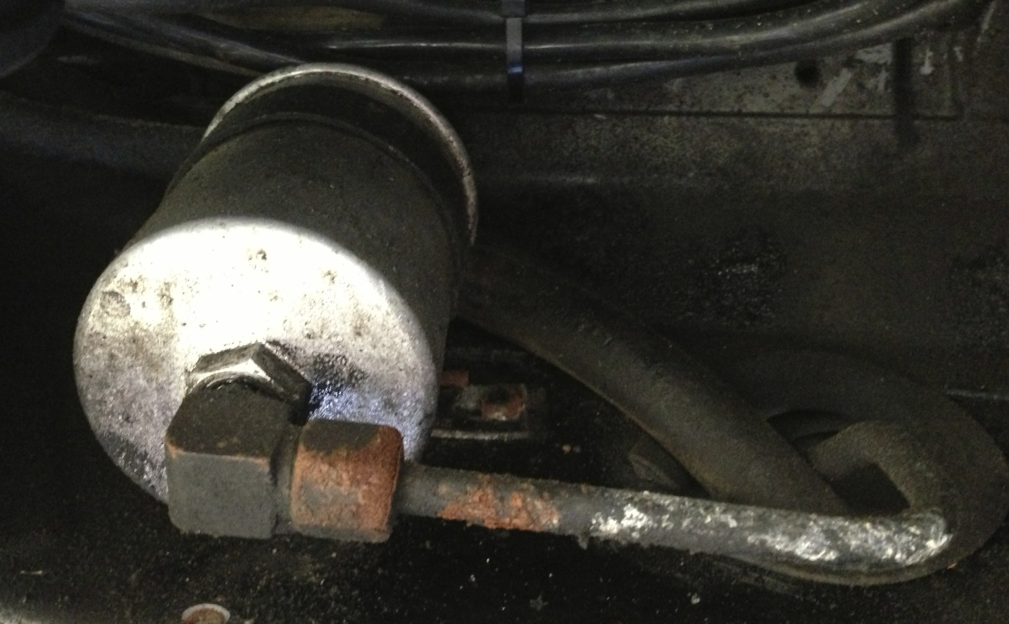 Fuel Filter and Rusted Nut