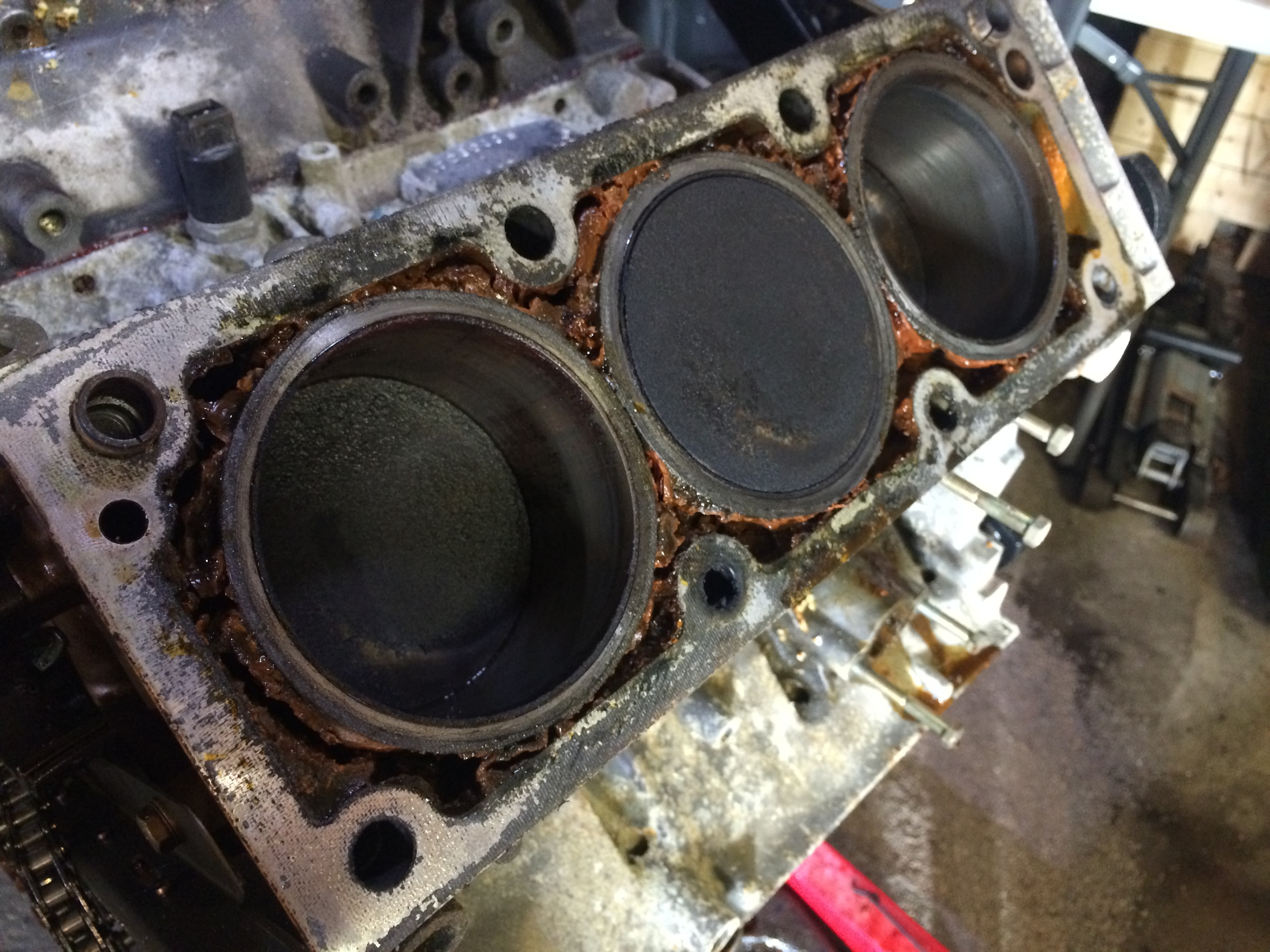 The 1-2-3 coolant jacket was just as bad as the other side.