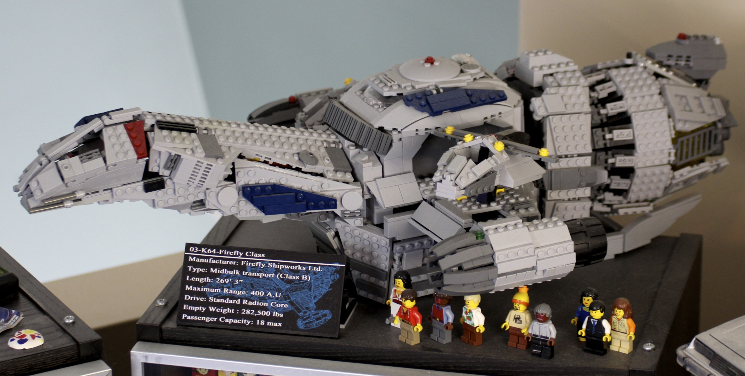 LEGO  Firefly  Serenity and minifigs