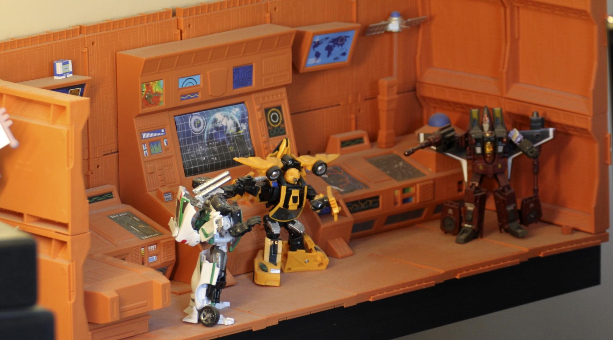 Autobot Ark, Wheeljack, Bumblebee and Thrust