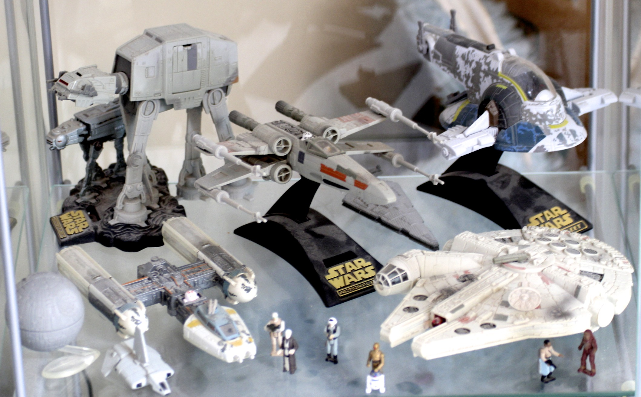 AT-AT, X-Wing, Slave I, Y-Wing, Millenium Falcon, etc.