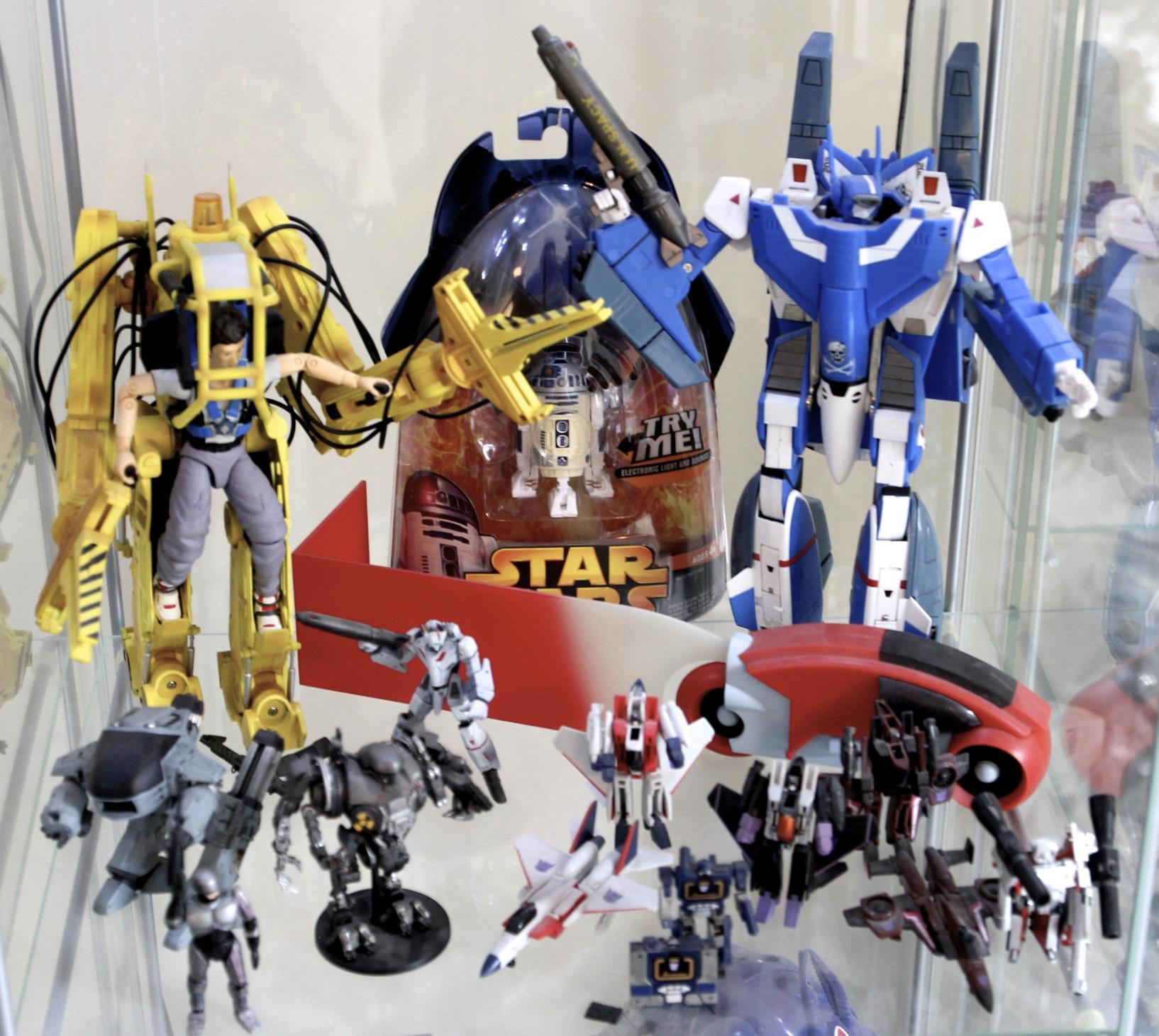 Robotic  Veritechs,  Aliens  Power Loader, Robocop, R2-D2,  TRON  Light Cycle, Mini Transformers