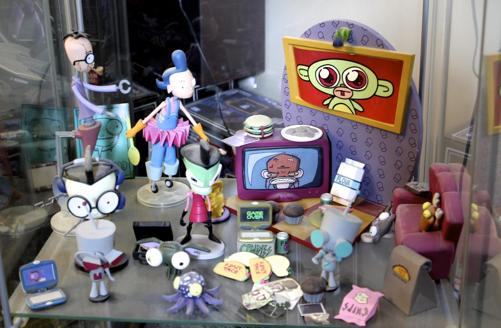 Robot Parents, Zim's Living Room, Dib, Zim, GIR, another GIR,