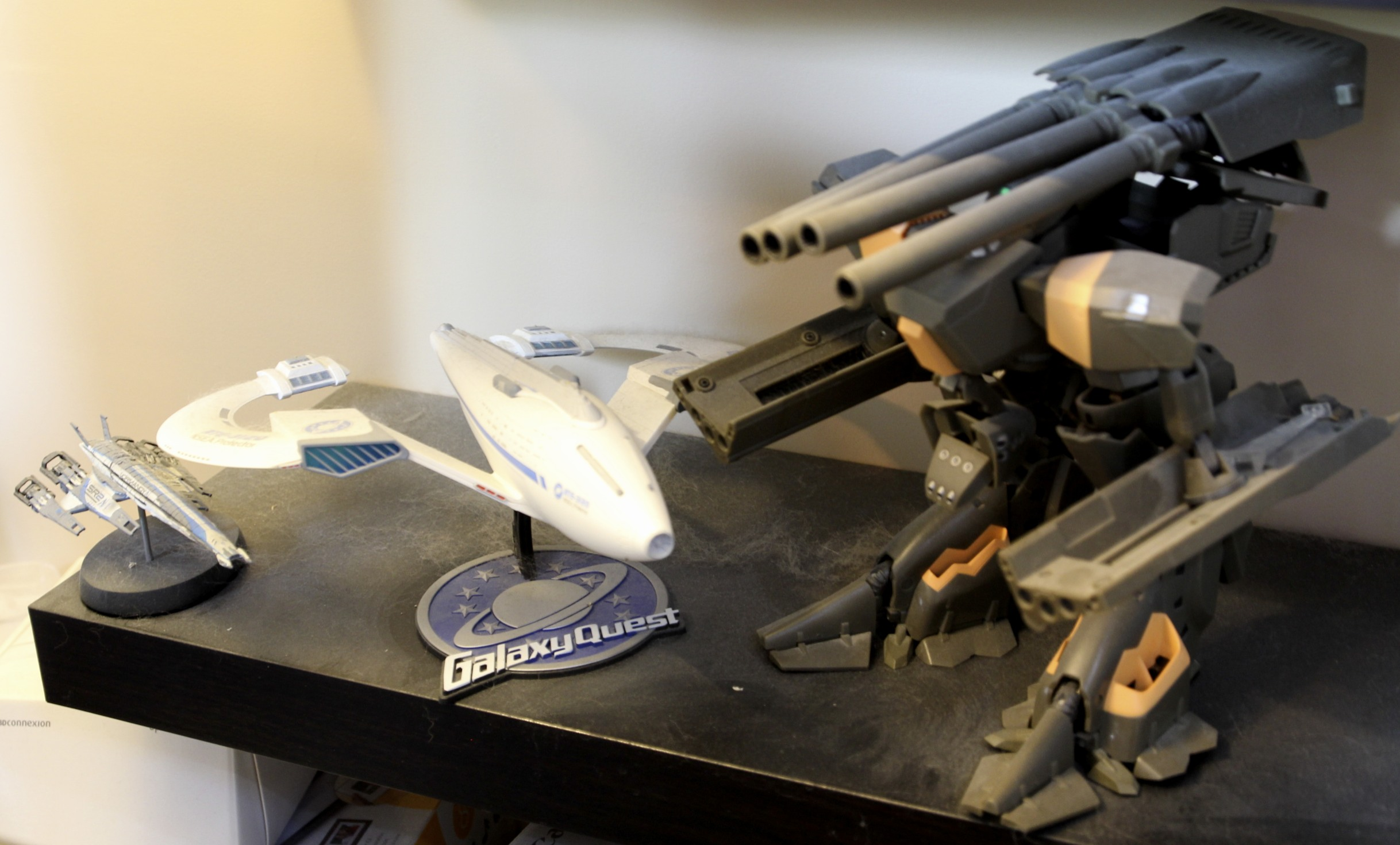 Mass Effect SSVNormandy SR-1, Galaxy Quest NSEA NTE-3120 Protector, Robotech Konig Monster.