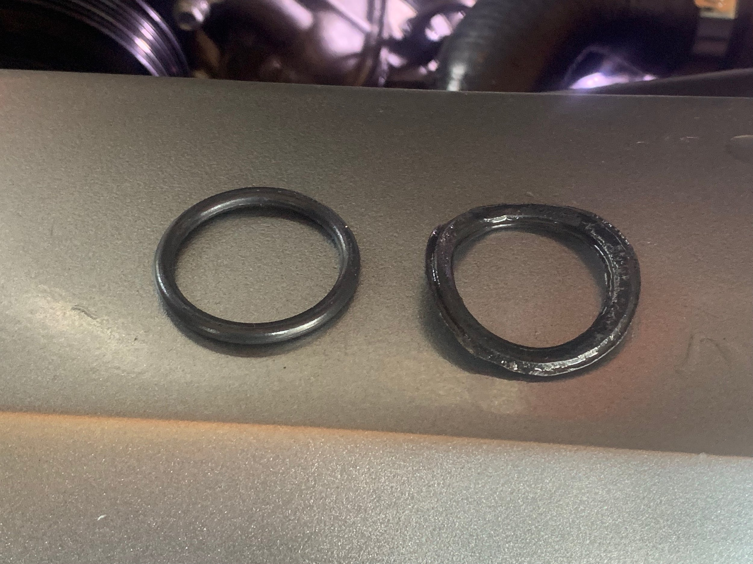 And this is why you should always replace O-rings. A new one is on the left, while an old one is on the right.